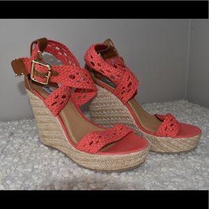 Steve Madden Women's Wedge Sandal.